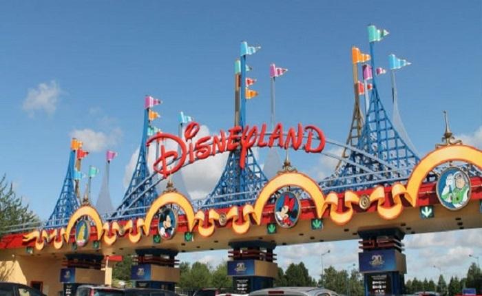 cong-vien-Disneyland