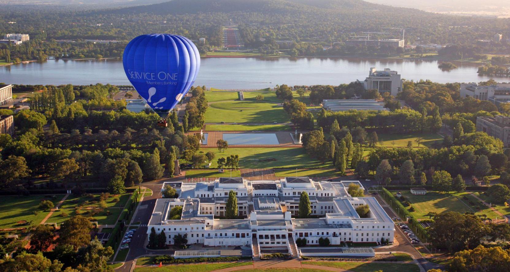 Tour-du-lịch-Úc-Canberra